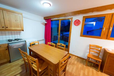 Rent in ski resort 3 room apartment sleeping corner 8 people (C102) - La Résidence le Hameau des Ecrins - Puy-Saint-Vincent