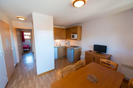 Rent in ski resort 3 room apartment 6 people (B312) - La Résidence le Hameau des Ecrins - Puy-Saint-Vincent