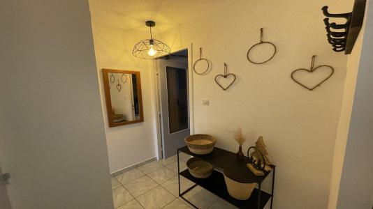 Rent in ski resort 2 room duplex apartment sleeping corner 6 people (806) - Résidence Cortina 1 - Puy-Saint-Vincent - Table