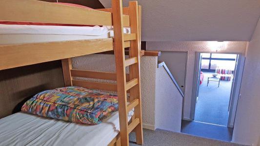 Rent in ski resort Studio 4 people (1009) - Résidence Cortina 1 - Puy-Saint-Vincent - Bunk beds