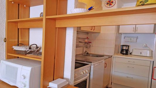 Rent in ski resort Studio 4 people (1009) - Résidence Cortina 1 - Puy-Saint-Vincent - Kitchenette