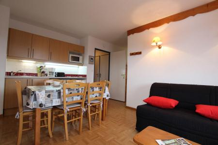 Rent in ski resort 2 room apartment sleeping corner 6 people (D25) - Résidence des Gentianes - Puy-Saint-Vincent - Living room