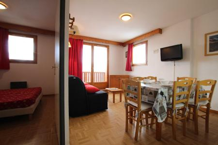 Rent in ski resort 2 room apartment sleeping corner 6 people (D25) - Résidence des Gentianes - Puy-Saint-Vincent - Table