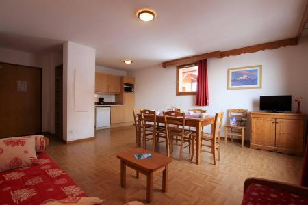 Rent in ski resort 3 room apartment cabin 8 people (B33) - Résidence des Gentianes - Puy-Saint-Vincent - Living room