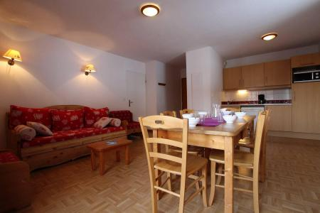 Location au ski Appartement 4 pièces cabine 8 personnes (B33) - Résidence des Gentianes - Puy-Saint-Vincent - Table