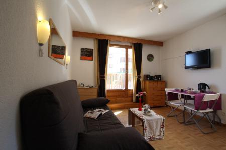 Location au ski Studio 4 personnes (B17) - Résidence des Gentianes - Puy-Saint-Vincent - Canapé