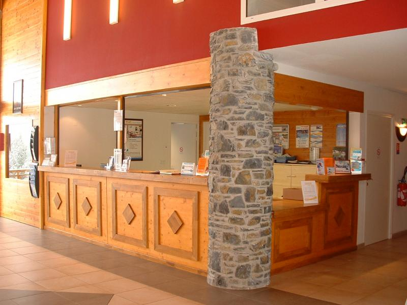Rent in ski resort Résidence Appart'Vacances Pyrenées 2000 - Pyrénées 2000 - Reception
