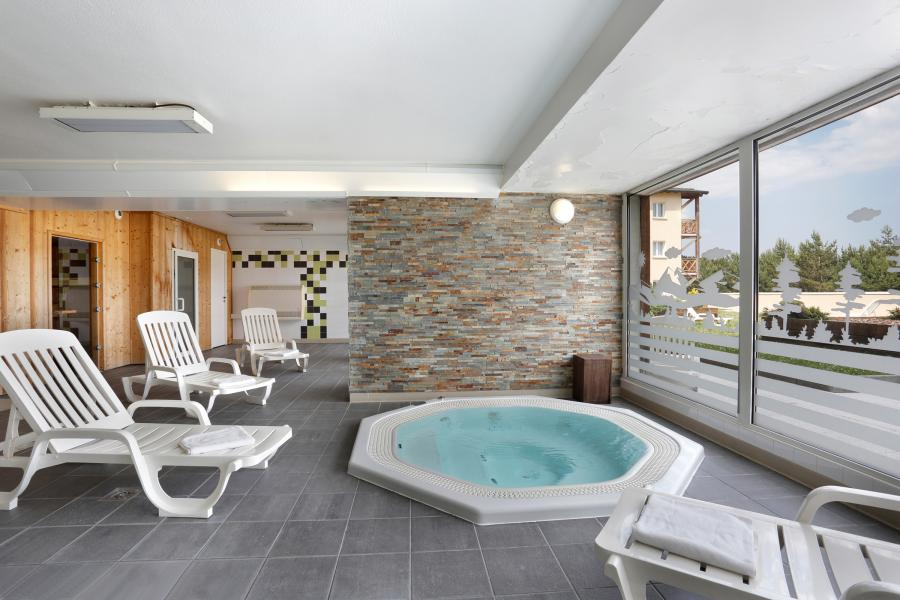 Rent in ski resort Résidence Appart'Vacances Pyrenées 2000 - Pyrénées 2000