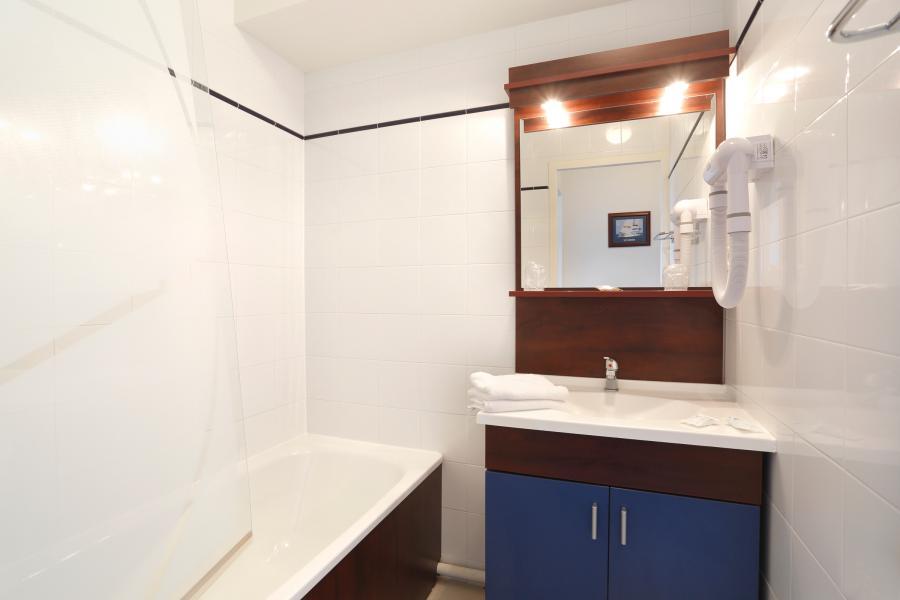 Rent in ski resort Résidence Appart'Vacances Pyrenées 2000 - Pyrénées 2000 - Bathroom