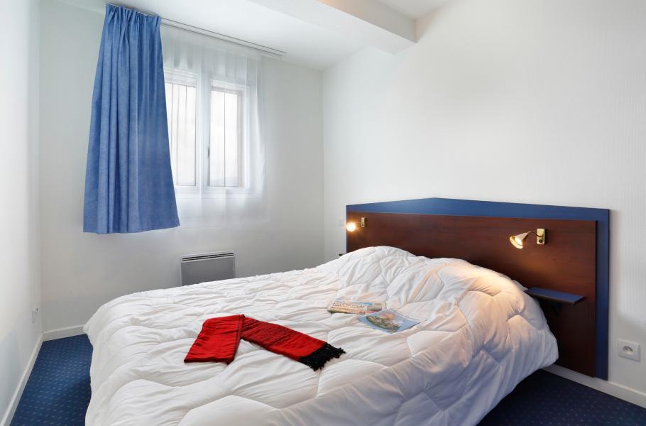 Rent in ski resort Résidence Appart'Vacances Pyrenées 2000 - Pyrénées 2000 - Bedroom