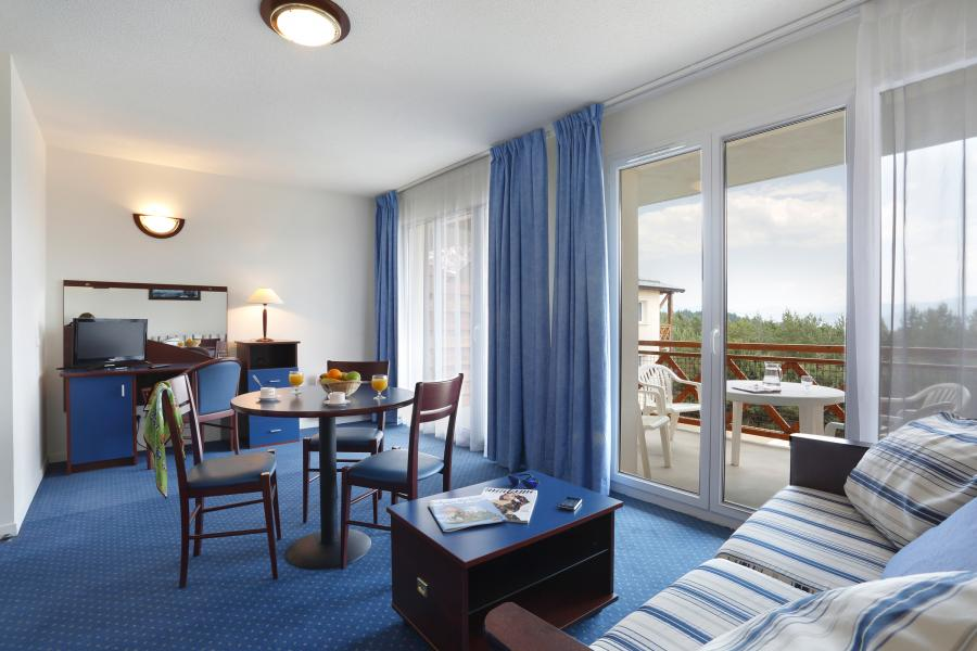 Rent in ski resort Résidence Appart'Vacances Pyrenées 2000 - Pyrénées 2000 - Dining area