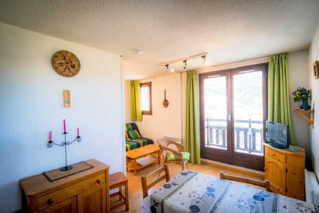 Location au ski Studio cabine 4 personnes (14B) - Residence Les Airelles - Risoul