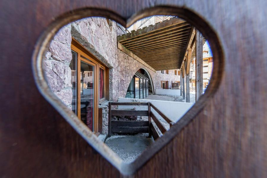 Rent in ski resort Résidence Castor et Pollux - Risoul - Balcony