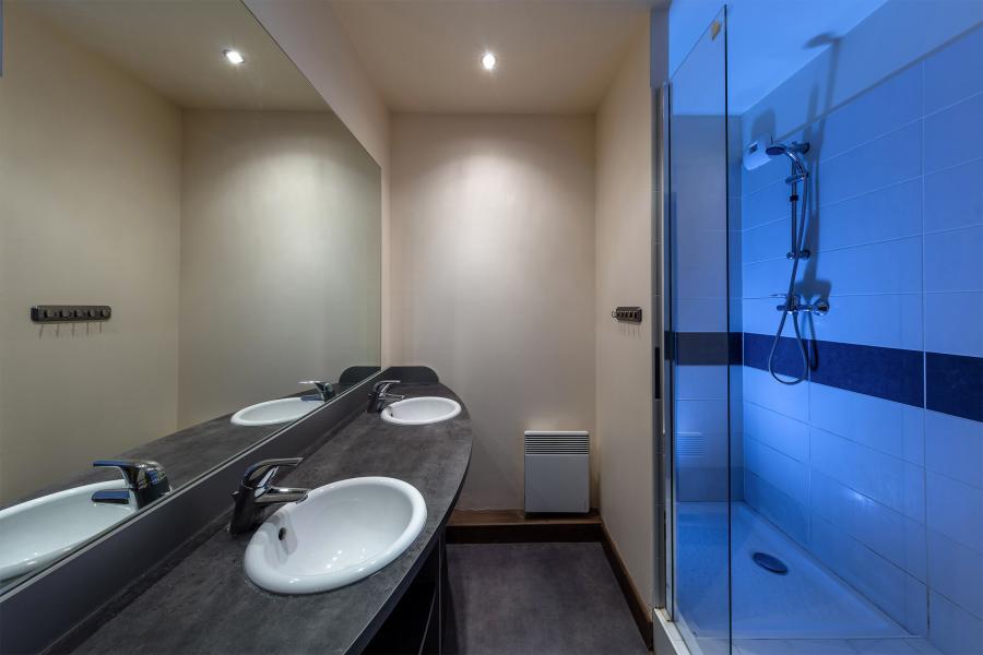 Location au ski Residence Deneb - Risoul - Salle d'eau