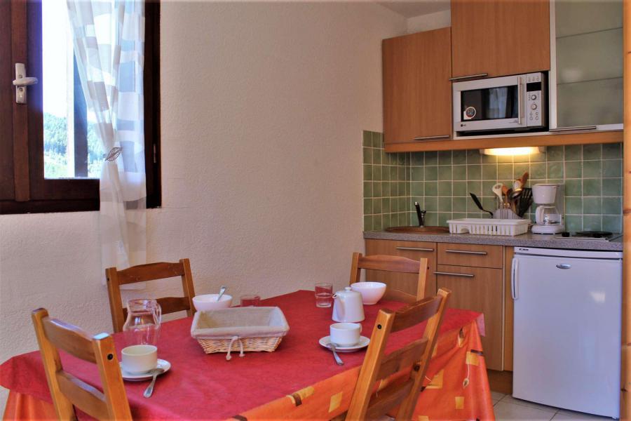 Location au ski Studio coin montagne 4 personnes (51B) - Résidence le Cristal B - Risoul - Appartement