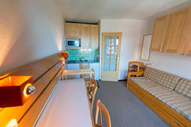 Location au ski Studio cabine 4 personnes (885) - Residence Le Laus - Risoul - Extérieur hiver