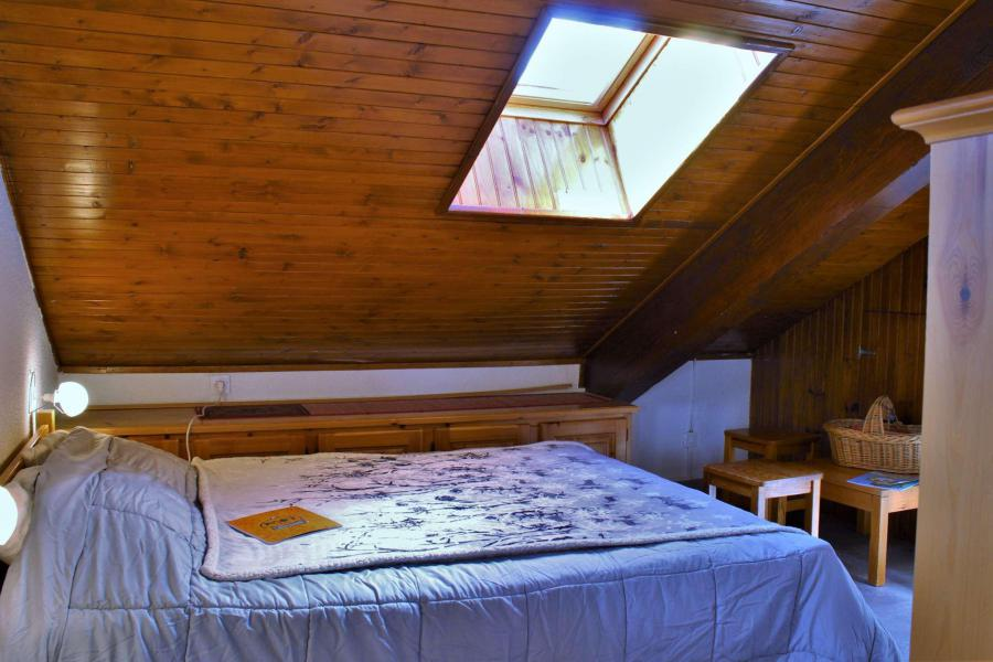 Rent in ski resort 2 room apartment sleeping corner 6 people (67A) - Résidence les Airelles A - Risoul