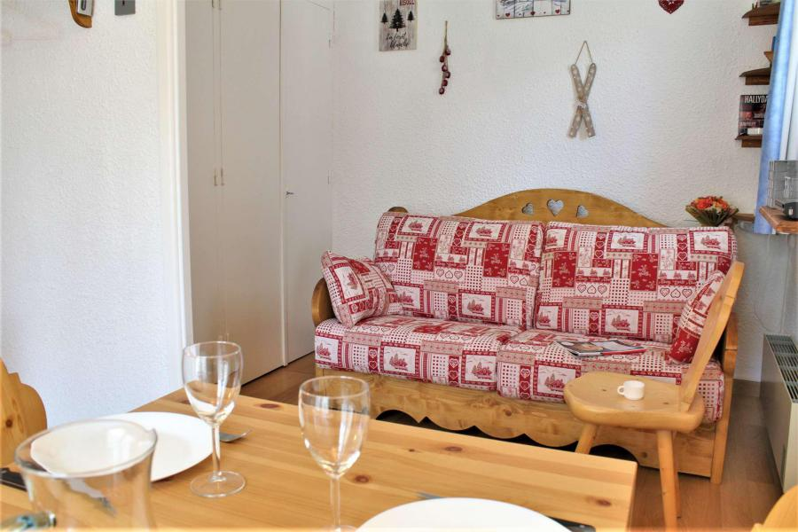 Rent in ski resort Studio sleeping corner 4 people (11B) - Résidence les Airelles B - Risoul - Kitchenette