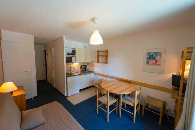 Location au ski Studio cabine 4 personnes (335B) - Residence Les Clarines - Risoul