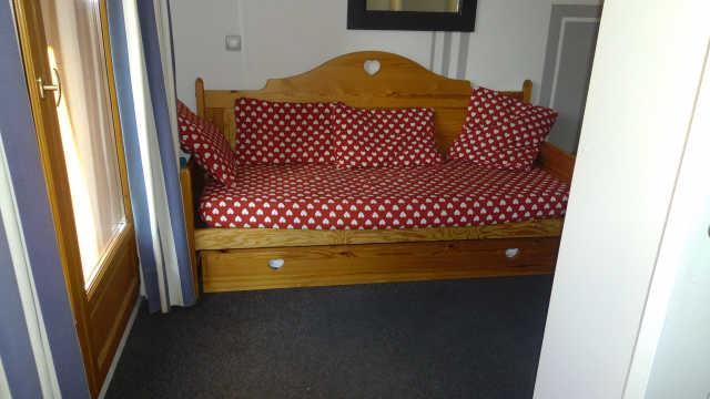 Location au ski Appartement 2 pièces coin montagne 6 personnes (48) - Residence Pegase - Risoul - Banquette-lit tiroir