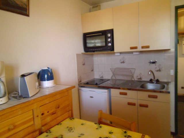 Location au ski Studio 2 personnes (333) - Residence Soldanelles - Risoul - Kitchenette