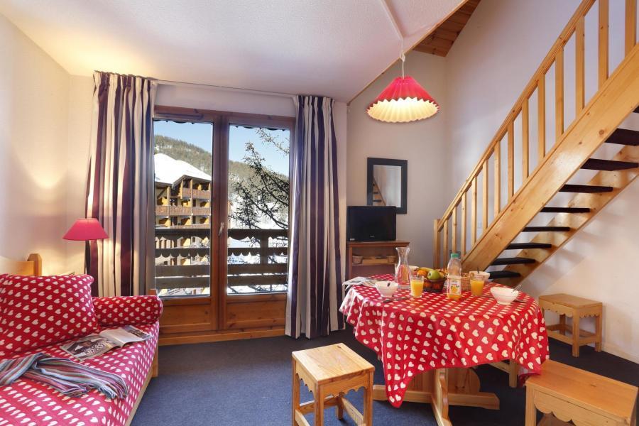Location au ski Residence Vega - Risoul - Porte-fenêtre donnant sur balcon
