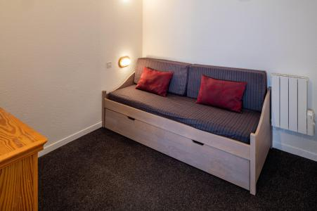 Rent in ski resort Résidence Castor et Pollux - Risoul - Pull-out beds