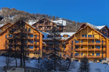 Holiday in mountain resort Résidence Deneb - Risoul - Winter outside