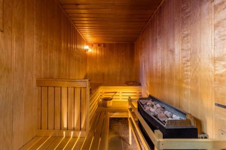 Rent in ski resort Résidence Deneb - Risoul - Sauna