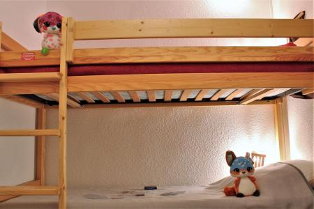 Rent in ski resort Studio sleeping corner 4 people (102) - Résidence le Belvédère - Risoul - Settee