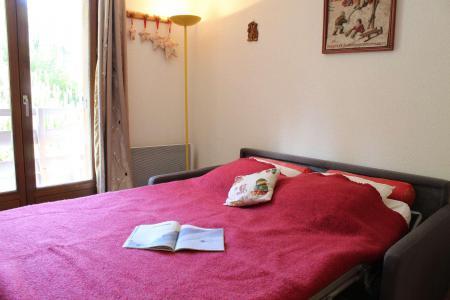 Rent in ski resort Studio sleeping corner 4 people (102) - Résidence le Belvédère - Risoul - Table