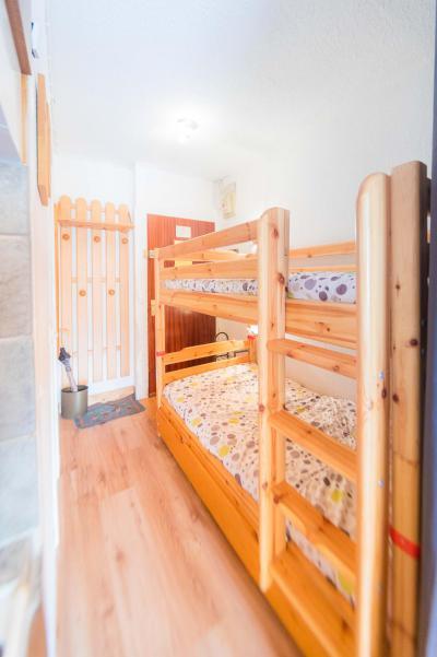 Rent in ski resort Studio sleeping corner 4 people (317) - Résidence le Laus - Risoul