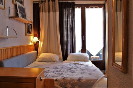 Rent in ski resort Studio cabin 4 people (17) - Résidence les Chabrières I - Risoul