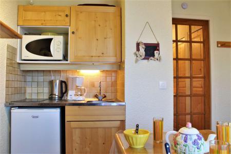 Rent in ski resort Studio cabin 4 people (37) - Résidence les Chabrières I - Risoul