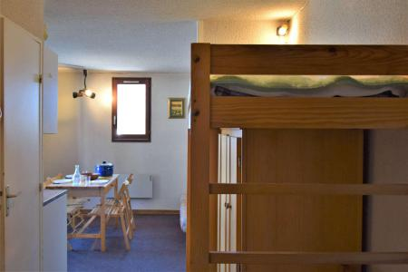 Rent in ski resort Studio cabin 4 people (05) - Résidence les Crêtes - Risoul