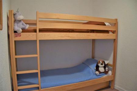 Rent in ski resort Studio sleeping corner 4 people (109) - Résidence les Crêtes - Risoul - Apartment