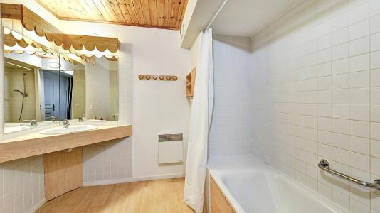 Rent in ski resort Résidence Véga - Risoul - Bathroom