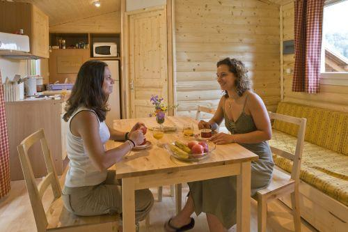 Location au ski Chalet 3 pièces 6 personnes (Grand Missouri) - Domaine La Perriere - Saint Colomban des Villards - Table