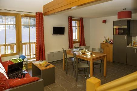 Location au ski Residence Les Chalets De Belledonne - Saint Colomban des Villards - Coin repas