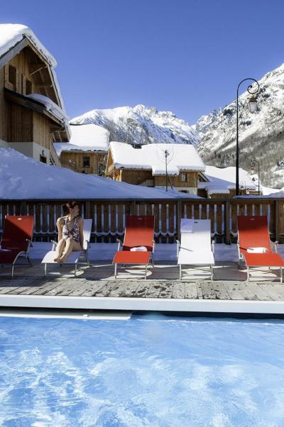 Location au ski Residence Les Chalets De Belledonne - Saint Colomban des Villards - Piscine