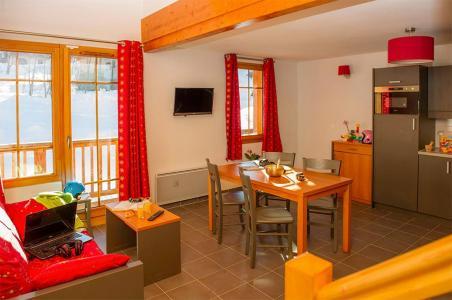 Location au ski Residence Les Chalets De Belledonne - Saint Colomban des Villards - Table