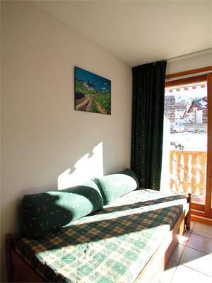 Location au ski Appartement 2 pièces 4 personnes - Residence Belle Vue - Saint-François Longchamp - Porte-fenêtre donnant sur balcon