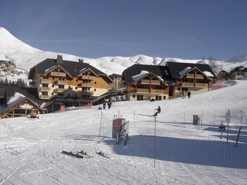 Location au ski Residence Le Rond Point Des Pistes - Saint-François Longchamp - Extérieur hiver