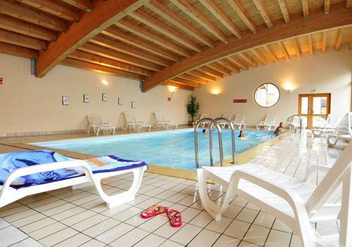 Location au ski Residence Les 4 Vallees - Saint-François Longchamp - Piscine