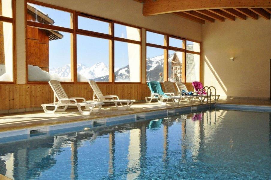 Location au ski Résidence les 4 Vallées - Saint-François Longchamp - Piscine