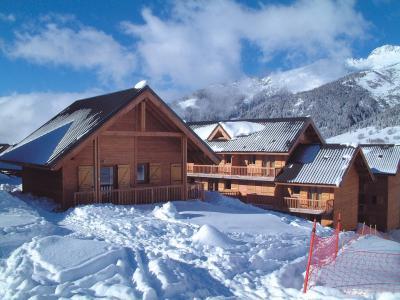 Vacances en montagne Le Village Gaulois - Saint-François Longchamp - Extérieur hiver