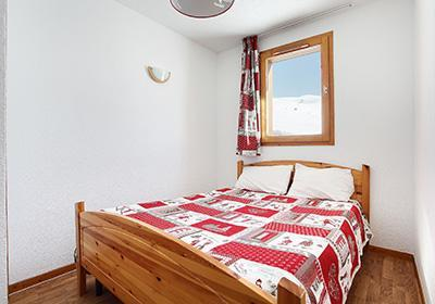 Location au ski Les Balcons Du Soleil - Saint-François Longchamp - Chambre