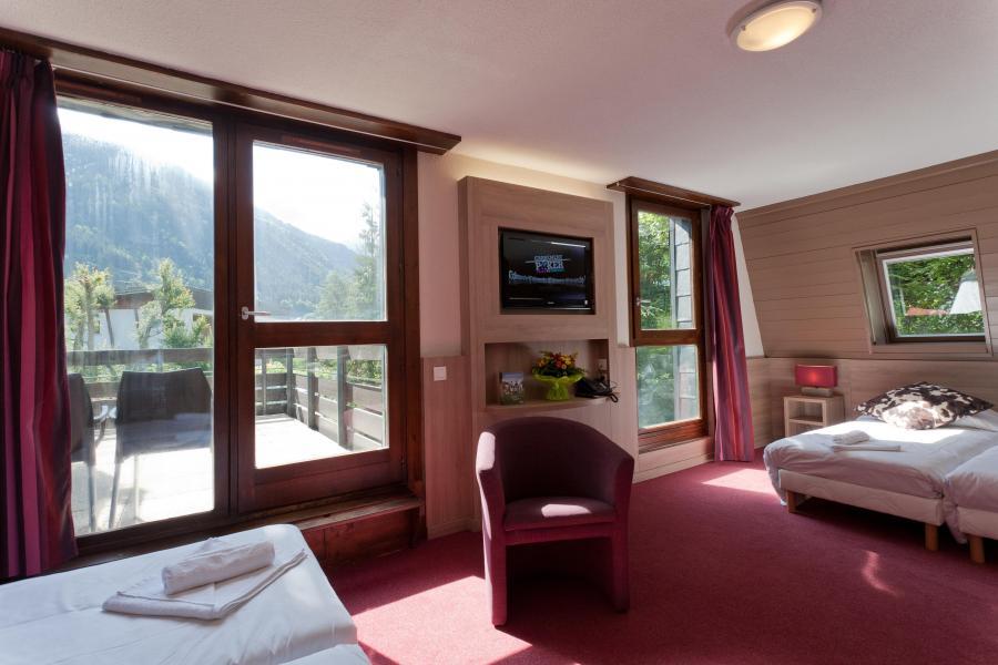 Location au ski Hôtel Club MMV Monte Bianco - Saint Gervais - Porte-fenêtre donnant sur balcon