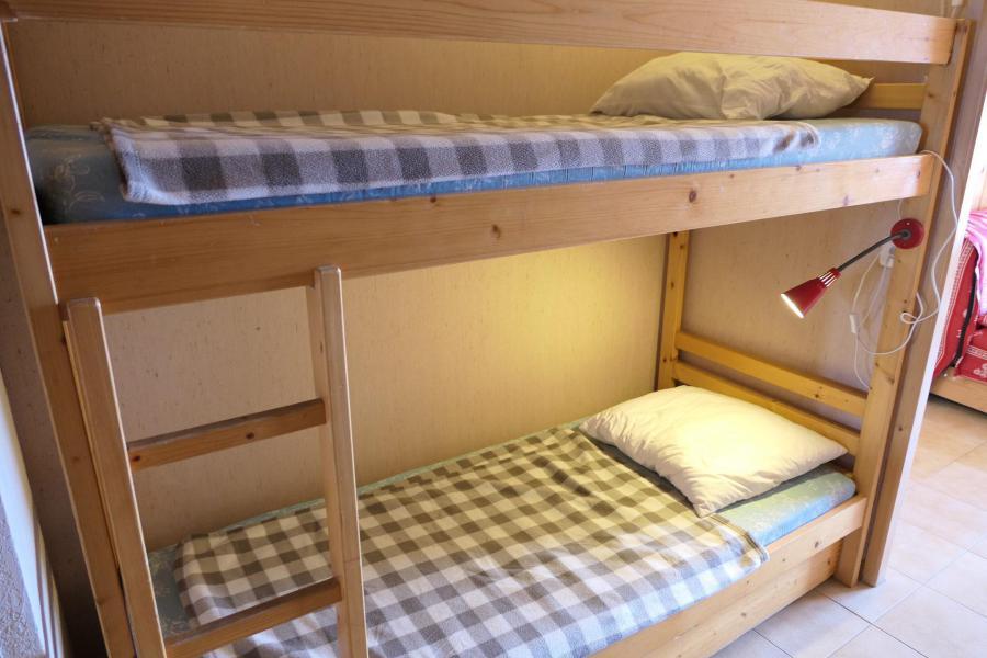Rent in ski resort Studio sleeping corner 4 people (B25) - Résidence la Pointe des Aravis - Saint Gervais
