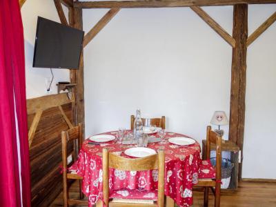 Rent in ski resort 1 room apartment 4 people (2) - Castel des Roches - Saint Gervais - Apartment